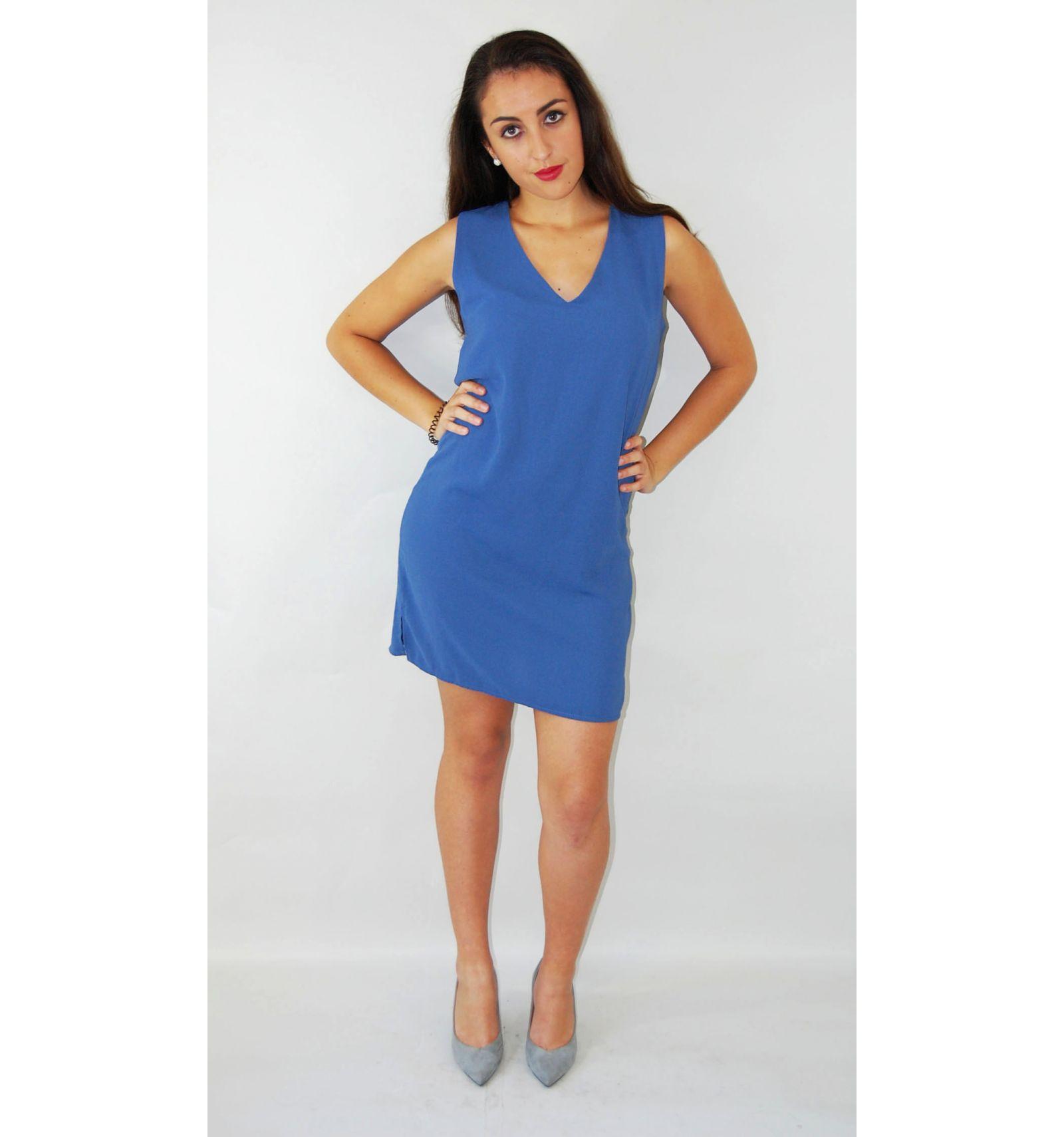 Blaues Kleid rechts blau