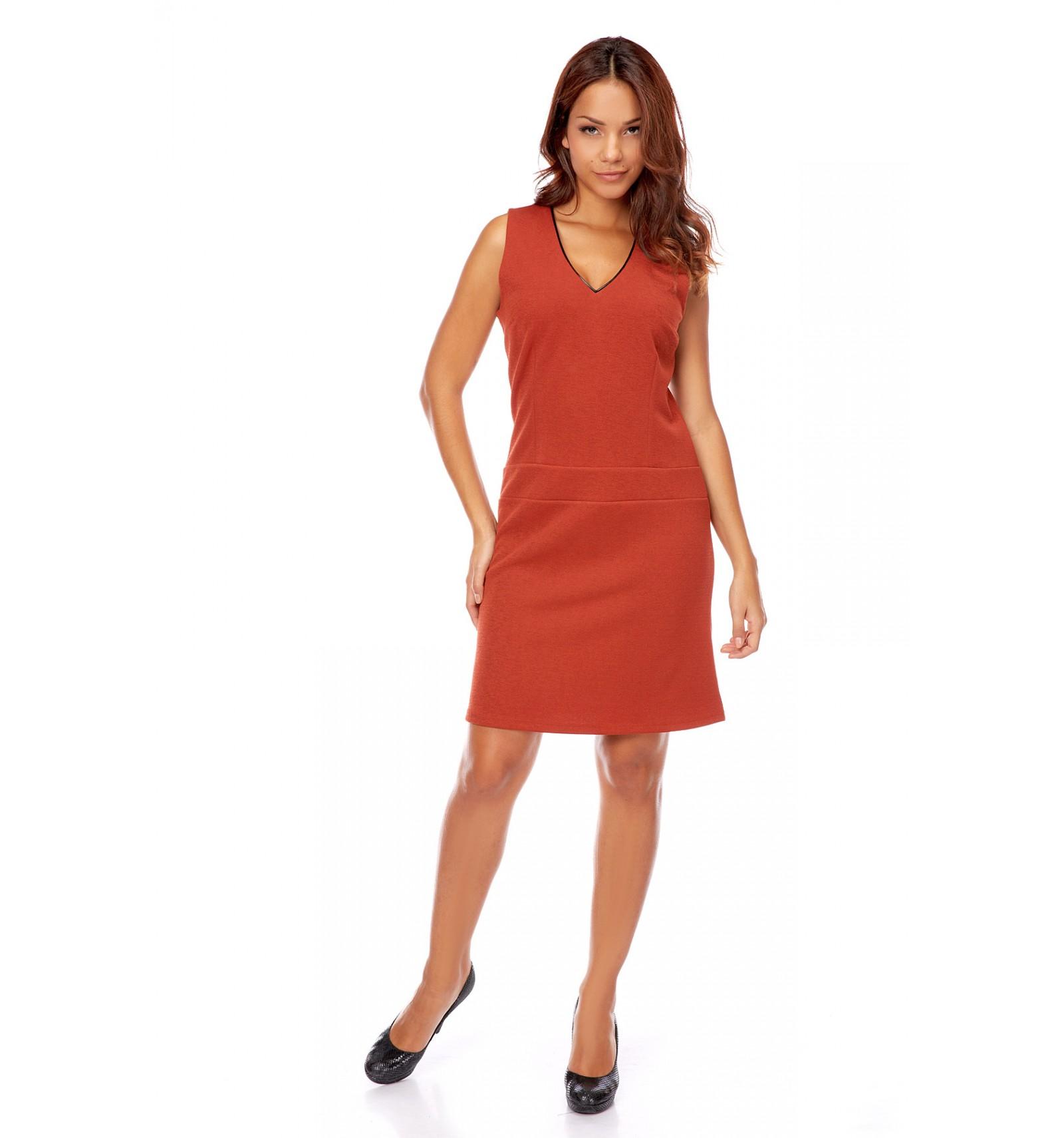 Preiswertes rechtes Kleid kaufen